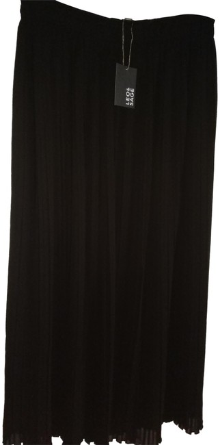 Preload https://img-static.tradesy.com/item/22758025/black-l-long-lined-pleated-maxi-skirt-size-14-l-34-0-1-650-650.jpg