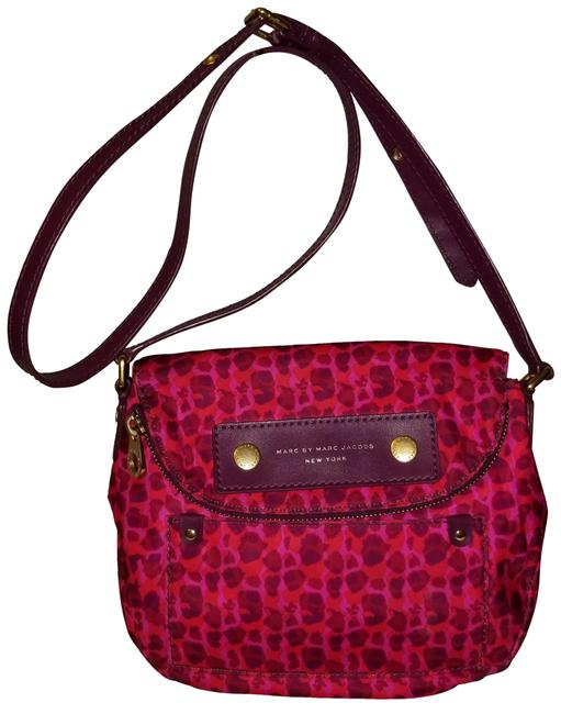 Item - Preppy Isha Natasha Purple and Fuschia Pink Nylon Cross Body Bag