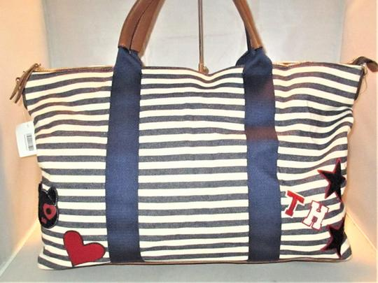 Tommy Hilfiger Next Day Shipping Navy / Natural Travel Bag Image 5