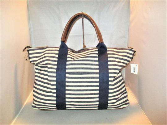 Tommy Hilfiger Next Day Shipping Navy / Natural Travel Bag Image 9
