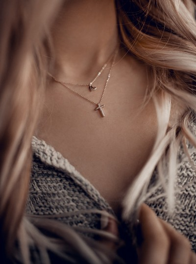 Ocean Fashion Gold Duplexes small crystal cross and heart necklace Image 2