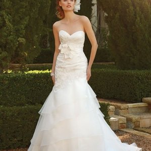 Casablanca Ivory 2043 Feminine Wedding Dress Size 10 (M)