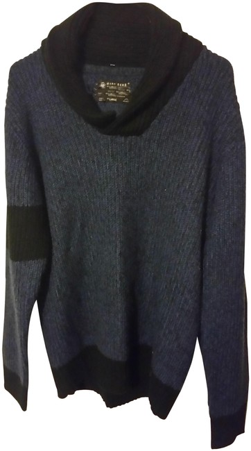 Preload https://img-static.tradesy.com/item/22758824/marc-ecko-bluky-knitted-wtih-hight-collar-black-and-blue-sweater-0-1-650-650.jpg