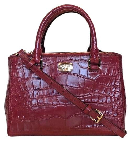 Preload https://img-static.tradesy.com/item/22759929/michael-kors-kellen-x-small-satchel-adj-strap-red-leather-shoulder-bag-0-3-540-540.jpg
