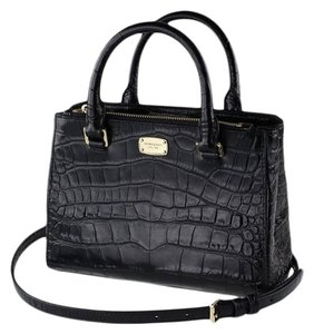 Michael Kors Kellen Tote Satchel in black