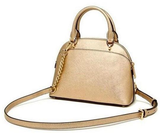 Michael Kors Satchel in gold Image 10