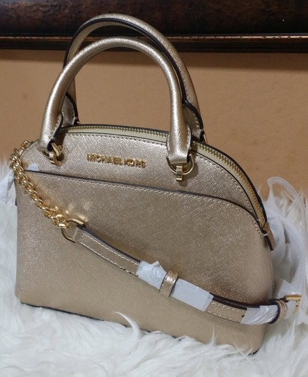 Michael Kors Satchel in gold Image 2