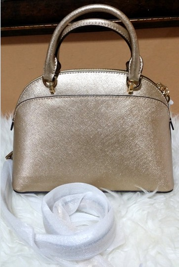 Michael Kors Satchel in gold Image 7