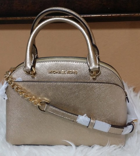 Michael Kors Satchel in gold Image 9