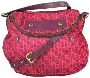 12722e0a1fa4 Pink Marc Jacobs Shoulder Bags - Over 70% off at Tradesy