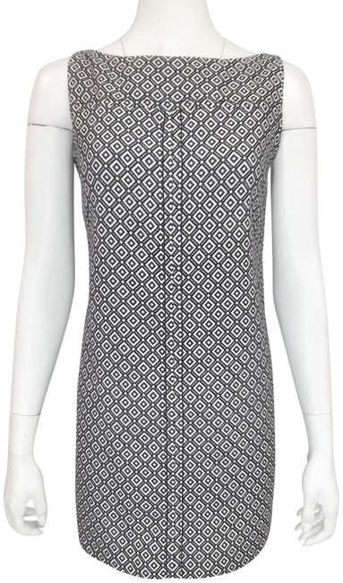 Preload https://img-static.tradesy.com/item/22761245/red-valentino-black-and-white-diamond-graphic-pattern-sl-boat-neck-shift-short-workoffice-dress-size-0-1-650-650.jpg