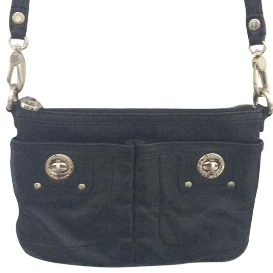 Preload https://img-static.tradesy.com/item/22761494/marc-by-marc-jacobs-totally-turnlock-percy-black-leather-cross-body-bag-0-1-540-540.jpg