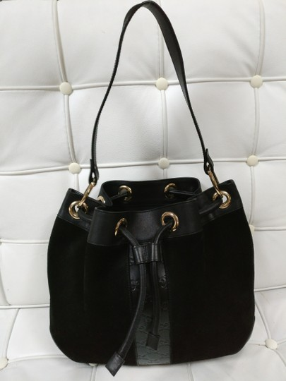 Gucci Gg Monogram Leather Bucket Tote in black Image 2
