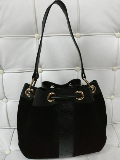 Gucci Gg Monogram Leather Bucket Tote in black Image 4
