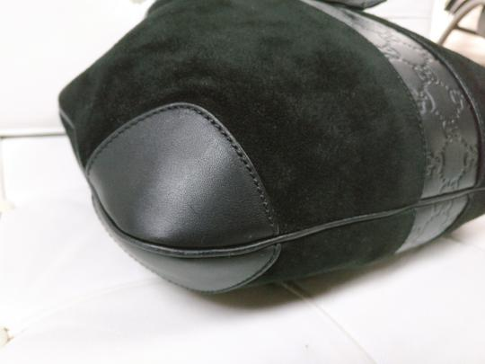 Gucci Gg Monogram Leather Bucket Tote in black Image 6
