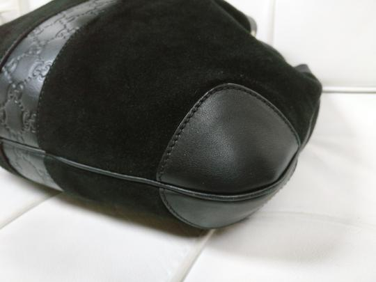 Gucci Gg Monogram Leather Bucket Tote in black Image 7