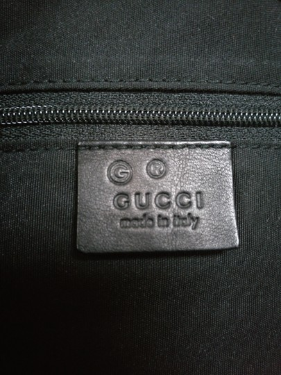 Gucci Gg Monogram Leather Bucket Tote in black Image 9