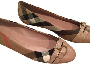 Burberry nude blush Flats