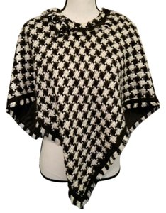 Ice Checkered Checked Hipster Bow Cape