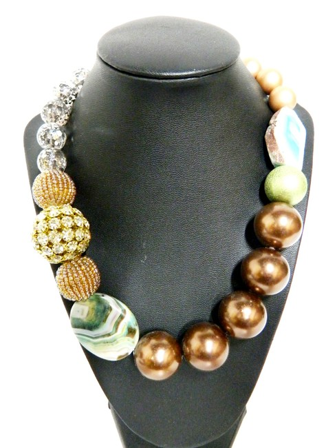 Item - Multicolor Textured Large Bead and Stone Necklace