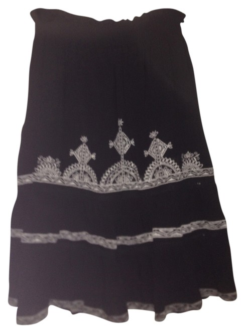 Preload https://item5.tradesy.com/images/fire-los-angeles-skirt-black-and-white-2276774-0-0.jpg?width=400&height=650