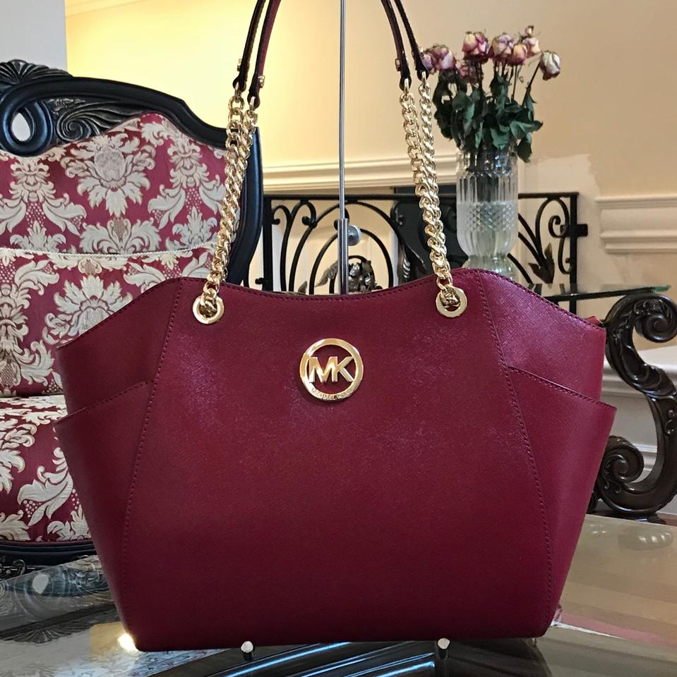 8a9289012b033c MICHAEL Michael Kors Jet Set Travel Large Chain Tote Cherry Patent Saffiano  Leather Shoulder Bag - Tradesy