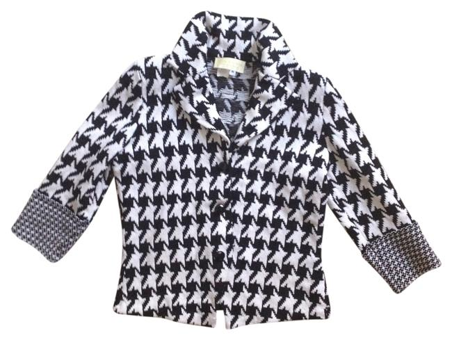 Preload https://item1.tradesy.com/images/black-and-white-sweaterpullover-size-8-m-2277105-0-0.jpg?width=400&height=650