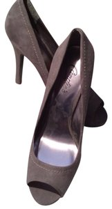 Candie's Gray Pumps