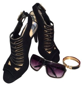 Gianni Bini Black/Gold Pumps