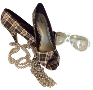 Diba Girl Dark Gray/White/Red Plaid Pumps