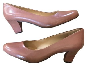Trotters nude Pumps