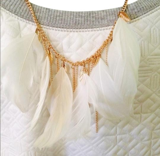 Wet Seal White Feather Necklace