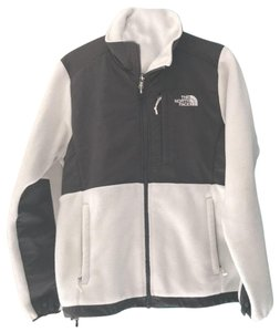 dda40be6099b0 The North Face Whit and Gray Fleece Activewear Outerwear Size 6 (S ...
