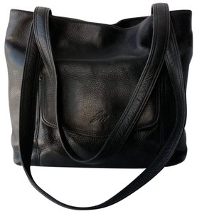 Stone Mountain Accessories Pebbled Leather Classic Shoulder Bag