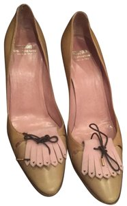 Moschino camel with pink/ lavender detail Pumps