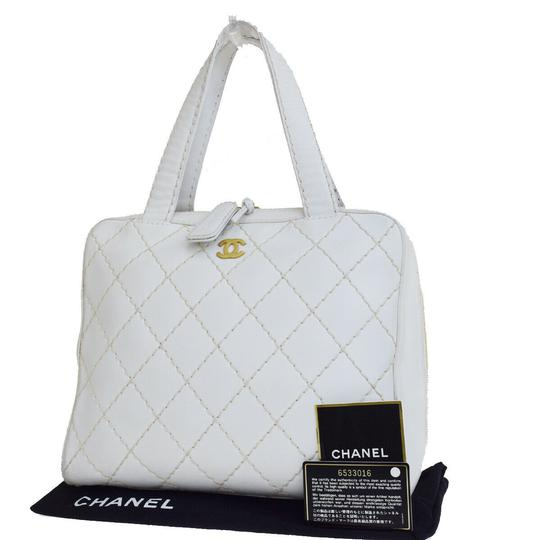 Preload https://img-static.tradesy.com/item/22778879/chanel-classic-flap-wild-stitch-gold-quilted-white-lambskin-leather-satchel-0-3-540-540.jpg