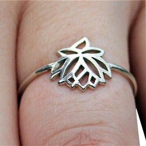 Other New Size 6, Tiny Silver Lotus Flower Ring