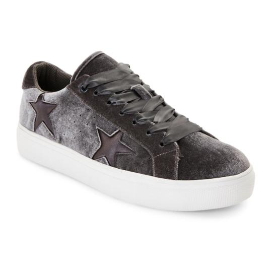 Preload https://img-static.tradesy.com/item/22779596/madden-girl-new-velvet-sneaker-sneakers-size-us-8-regular-m-b-0-0-540-540.jpg