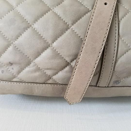 Burberry Satchel in gray taupe Image 1