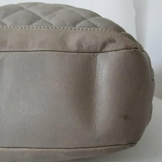 Burberry Satchel in gray taupe Image 3