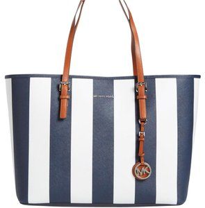 fc1334f9636ef Michael Kors Saffiano Leather Mk Travel Jet Set Large Mk Mk Jet Set Tote in  NAVY