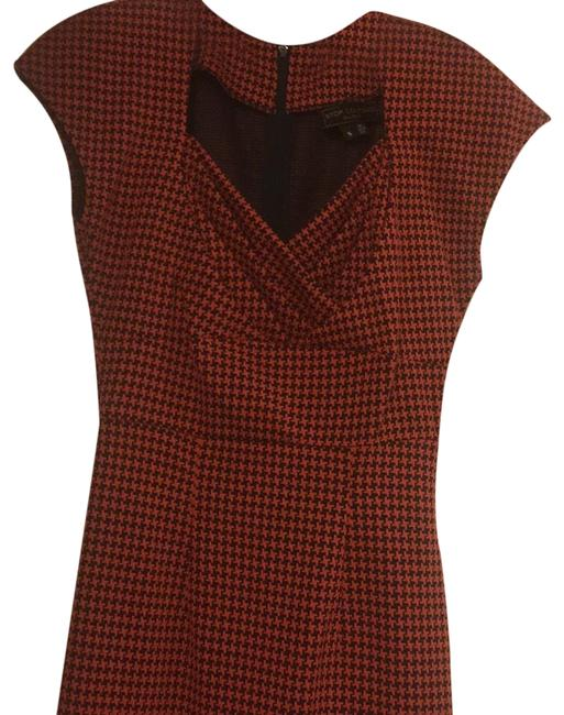 Preload https://img-static.tradesy.com/item/22780051/stop-staring-rust-houndstooth-mid-length-cocktail-dress-size-4-s-0-2-650-650.jpg