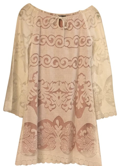 Preload https://img-static.tradesy.com/item/22780060/white-and-light-pink-mid-length-short-casual-dress-size-4-s-0-2-650-650.jpg