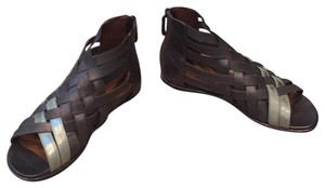 Gentle Souls By Kenneth Cole pewter Sandals