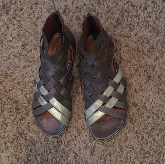 Gentle Souls By Kenneth Cole pewter Sandals Image 2