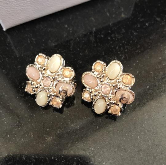 Chanel clip on costumes jeweled earrings baby pink Image 1