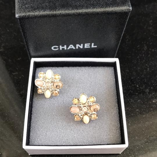 Chanel clip on costumes jeweled earrings baby pink Image 2