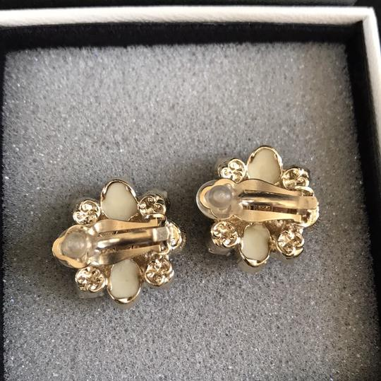 Chanel clip on costumes jeweled earrings baby pink Image 3