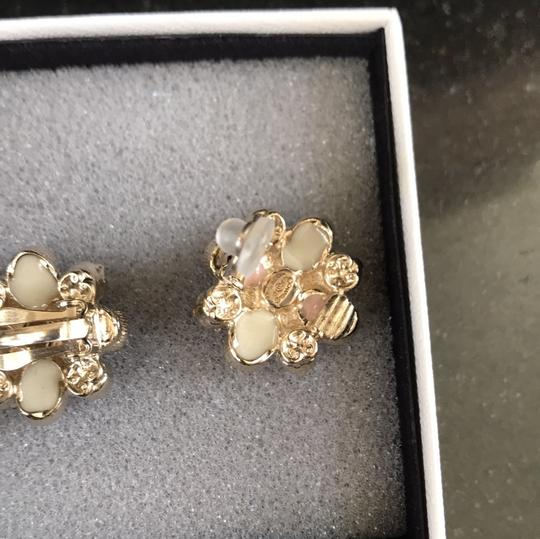 Chanel clip on costumes jeweled earrings baby pink Image 4