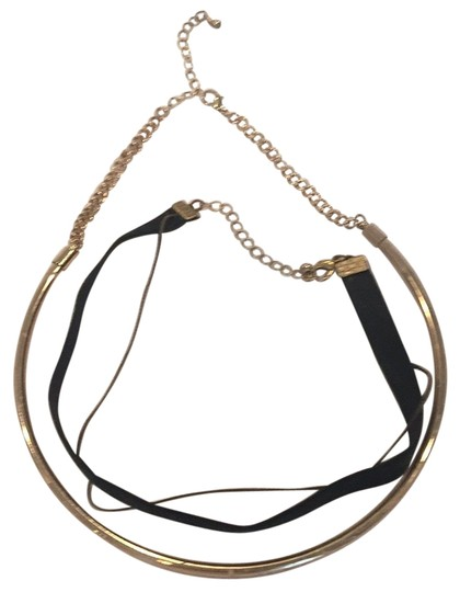 Preload https://img-static.tradesy.com/item/22781706/black-and-gold-of-2-necklace-0-1-540-540.jpg